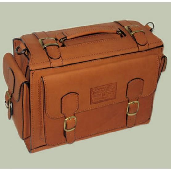 """Кожаный портфель """"Бойскаут"""""""